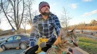 무장 강도로부터 집사를 구한 고양이 '나의 히어로'