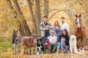 전국 동물농장에서 촬영한 행복한 가족사진 모음